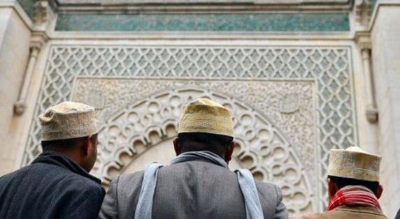 মসজিদকে দেয়া হুমকির নোটিশে হিজাব মুসলিম নারীদের নিয়েও কটূক্তি